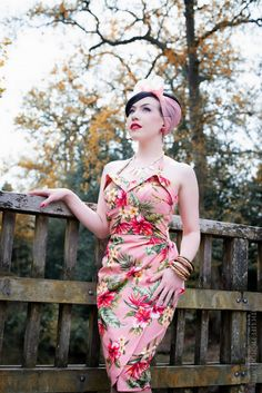 Alternative Pin Up Rockabilly Outfits, Rockabilly Fashion, Retro Fashion, Vintage Fashion, Rockabilly Clothing, Rockabilly Style, Rockabilly Girls, Floral Fashion, Belle Epoque