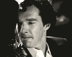 IT'S FANTASTIC BECAUSE SHERLOCK'S ACTING IS FLAWLESS: HE EVEN REMEMBERS TO LOOK AT HER LIPS WHILE TALKING TO HER.