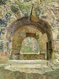 http://bikelove-scotland.blogspot.com/2012/04/roslin-glen-rosslyn-castle.html