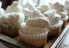 This is the best frosting I have EVER had! Whipped buttercream frosting that is as light and airy as whipped cream but with the flavor of a rich, buttercream frosting! Cupcake Recipes, Cupcake Cakes, Dessert Recipes, Icing Recipes, Dessert Ideas, Cake Ideas, Cup Cakes, Mini Cakes, Cookie Recipes