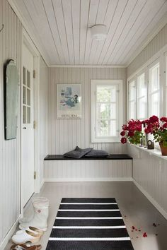 58 Comfortable Interior Trending Today - Stylish Home Decorating Designs Closed In Porch, Enclosed Front Porches, Small Sunroom, Sunroom Decorating, Interior Design Boards, Home Decor Trends, Sweet Home, House Design, Architecture