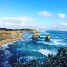 Driving on Great Ocean Roads 12 Apostles what a view #해외여행 #traveler #trip #travelling #travel #australia #12apostles #apostles #twelveapostles #melbourne #호주 #맬번 #12사도 #12제자 #그레이트오션로드 #greatoceanroad #fun #happy #drive by bowon_park