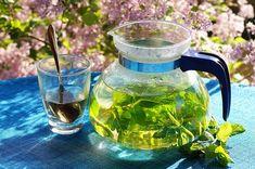 Detox tea benefits for Healthy Living - Aloha-Search Natural Remedies For Bloating, Bloating Remedies, Homemade Toner, Fresh Mint Tea, Weight Loss Herbs, Green Tea Benefits, Best Detox, Peppermint Tea, Types Of Tea