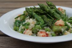 Deze frisse lente risotto met groene asperges is to die for!