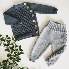 Baby Boy Knitting Patterns Free, Baby Sweater Patterns, Baby Set, Baby Pullover Muster, Shoe Recipe, Baby Sweaters, Kind Mode, Knitting Projects, Baby Dress
