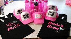 #kits #despedida #soltera #gorras #Cilindros #playeras #teambride Bacherolette Party, Party Time, Make Up Art, Greek Wedding, Bachelorette Weekend, Team Bride, Couple Posing, Wedding Details, Bridesmaid Dresses