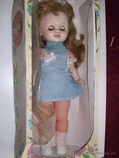 Antigua muñeca Beatriz . Ref 850. Muy completa.
