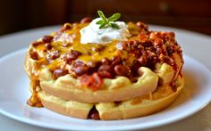 Chili and Cornbread Waffles--I almost doubled the sugar to make it like Jiffy cornbread mix. We loved it.never eating plain chili again! This recipe made 10 waffles in our waffle iron. Pollo Y Waffles, Cornbread Waffles, Chili And Cornbread, Savory Waffles, Chicken And Waffles, Pancakes And Waffles, Making Waffles, Breakfast Waffles, Breakfast Sandwiches