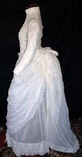 All The Pretty Dresses: Summer Bustle Dress Summer Gowns, Lace Summer Dresses, Pretty Dresses, 1880s Fashion, Edwardian Fashion, Vintage Fashion, Vintage Gowns, Vintage Outfits, Vintage Clothing