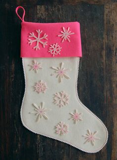 Super Easy Snowflake Stocking - The Purl Bee - Knitting Crochet Sewing Embroidery Crafts Patterns and Ideas!