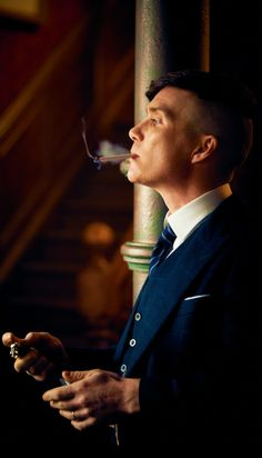 Your source for Cillian Murphy and Thomas Shelby gifs and edits. Peaky Blinders Poster, Peaky Blinders Wallpaper, Peaky Blinders Series, Peaky Blinders Quotes, Peaky Blinders Tommy Shelby, Peaky Blinders Thomas, Cillian Murphy Peaky Blinders, Peaky Blinders Merchandise, Estilo Gangster