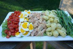 Préparation de la salade niçoise