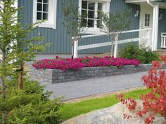 Ideakuvat | Rudus Curved Walls, Front Porch, Garage Doors, Garden, Outdoor Decor, Home Decor, Garten, Decoration Home, Room Decor
