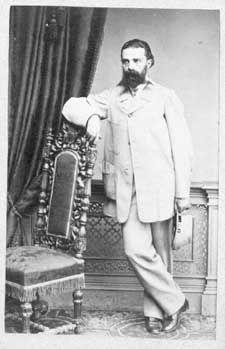 G. A. Serlachius toimi apteekkarina Tampereella ennen kuin perusti puuhiomon Mäntänkosken varrelle.
