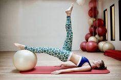 """Les Poulettes Fitness est une marque de vêtements de sport 100% made in France pour toutes celles qui pensent que """"abdos"""" peut rimer avec """"apéro"""" #fitness #legging #sportwear #workout #mojitos #abdos #abs"""
