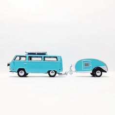 For some reason this reminds me of Weezer... #nostalgia #vw #vdub #volkswagen #greenlight #toycrew #toypics #hitchandtow #summer