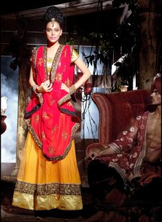Flamboyant Orange Lehenga Choli #lehnga #wedding #bridal #shaadi #women #bride #LehengaCholi #ethnic #wear #desiwedding #asianclothes #bollywood #indian #trendz #indiantrendz