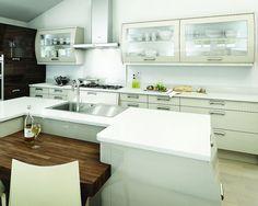 Stained Kitchen Cabinets, Gloss Kitchen, Kitchen Cabinet Design, Modern Kitchen Design, New Kitchen, Kitchen Designs, Kitchen Island, Handleless Kitchen, Space Kitchen