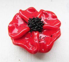 Lampwork garden: Red lampwork poppy by Inna Kirkevich