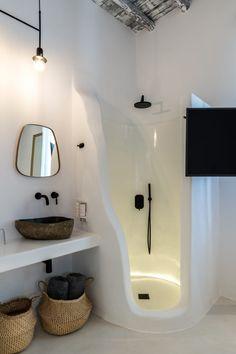 Luxury Hotel Bathroom, Hotel Bathroom Design, Hotel Room Design, Boutique Bathroom, Boutique Hotel Room, Myconos, Mykonos Hotels, Moraira, Bathroom Styling
