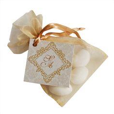 """Geschenkkärtchen """"Maida"""" in Perlmutt mit Ornamenten in Gold für Gastgeschenke oder als Tischdeko zur Hochzeit."""