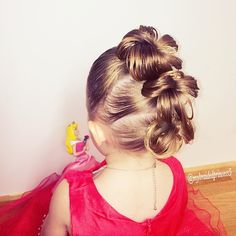 """closer view of my princess' hairstyle of the Mohican buns. Inspiration by Jill @jehat"""