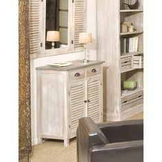 Repeindre un meuble bois exotique foncé en teinte sable pour redonner de la clarté!