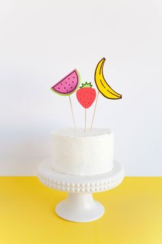 diy fruit cake toppers (watermelon, strawberry and banana) // tell love and party