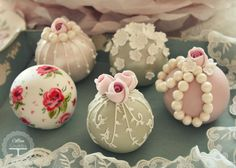 by Cotton and Crumbs Vintage Sphere Cakes!