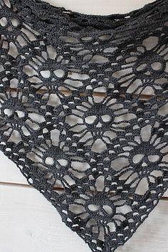 Skull shawl. Black is fitting. Free pattern.