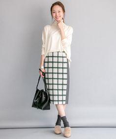 芸能人小林麗菜が王様のブランチで着用した衣装スカート