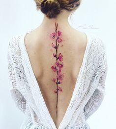 These Exquisite Water Colour Spine Tattoos Are Inspired By Gardens