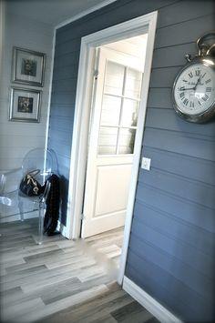 interiør blått Jotun Lady, Mudroom, Garage Doors, Outdoor Decor, Wall, Blue, Colour, Furniture, Home Decor