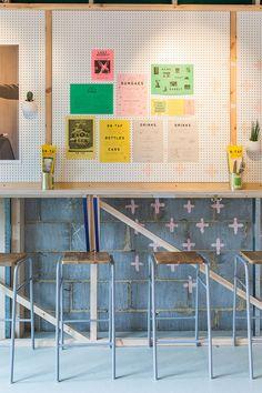400 Rabbits Pizza restaurant interior design project by Richardson Studio Architecture Restaurant, Restaurant Interior Design, Cafe Interior, Restaurant Interiors, Café Bistro, Asian Bistro, Cafe Display, Web Design Awards, Counter Design