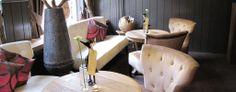 Centraal gelegen in het hart van Gulpen en aan de voet van de bekende Gulpenerberg ligt Saillant Hotel Gulpen. U ervaart persoonlijke aandacht en oprechte Bourgondische gastvrijheid in een sfeervolle ambiance. De warme inrichting en het rijke interieur geven u direct een huiselijk gevoel.