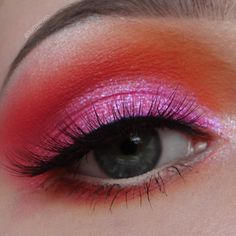 @glitterowo /Colourful Eye makeup with @colourpopcosmetics Slave2Pink