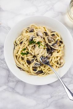 Vegan Garlic Mushroom Spaghetti - Wallflower Girl