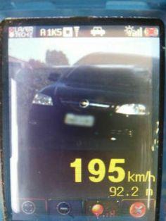 Motorista é flagrado dirigindo a 195 km/h em rodovia do oeste do Paraná +http://brml.co/1BUn4AJ