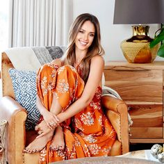 Steal Jessica Alba's Get-Ready-for-the-Gym Routine - SELF