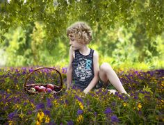 Портрет Мальчик на поляне