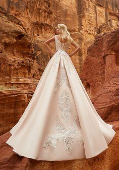 Oksana Mukha Wedding Dresses 2018 Isadora-3 / http://www.deerpearlflowers.com/oksana-mukha-wedding-dresses-2018/3/