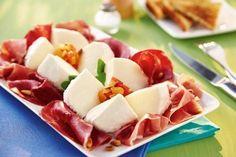 Recette Salade de Gran Mozzarella et sa charcuterie italienne http://www.ilgustoitaliano.fr/recette/salade-de-gran-mozzarella-et-sa-charcuterie-italienne
