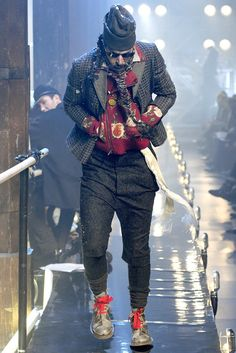 John Galliano Fall 2011 Menswear Fashion Show, look 4