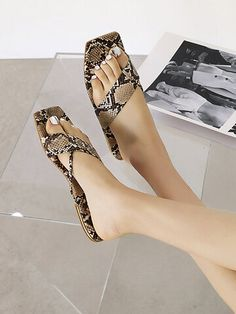 Mango Shoes, Snake Design, Make Money Now, Toe Rings, Fashion Flats, Womens Slippers, Snake Print, Clothes For Sale, Spring Summer Fashion