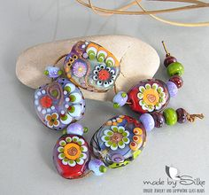 Handmade lampwork beads -- free-formed -- A m i d s t   T h e  U p r o a r  -- SRA -- glass set -- made by Silke Buechler