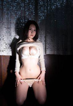 China Matsuoka 松岡ちな