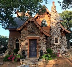 60 Beautiful Small Cottage House Exterior Ideas - Page 18 of 65 Stone Cottages, Cabins And Cottages, Stone Houses, Small Cottages, Country Cottages, Country Homes, Unique Cottages, Little Cottages, English Cottages