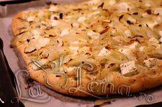 Focaccia cu ceapa si branza Cauliflower, Pizza, Vegetables, Food, Cauliflowers, Essen, Vegetable Recipes, Meals, Cucumber
