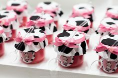 On ice cream cups? Farm Party Games, Barnyard Party, Cow Birthday Parties, Farm Birthday, Daisy Duck Party, Cow Baby Showers, Cowgirl Party, Farm Theme, First Birthdays