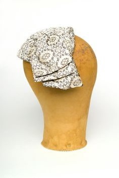 Vintage 20s 30s Art Deco Brocade Flapper Fascinator w/ Gathered Bow // 1920s 1930s Great Gatsby Metallic Gold Bandeau Headpiece Hat (M) | Birthday Life Vintage on Etsy | $52.00